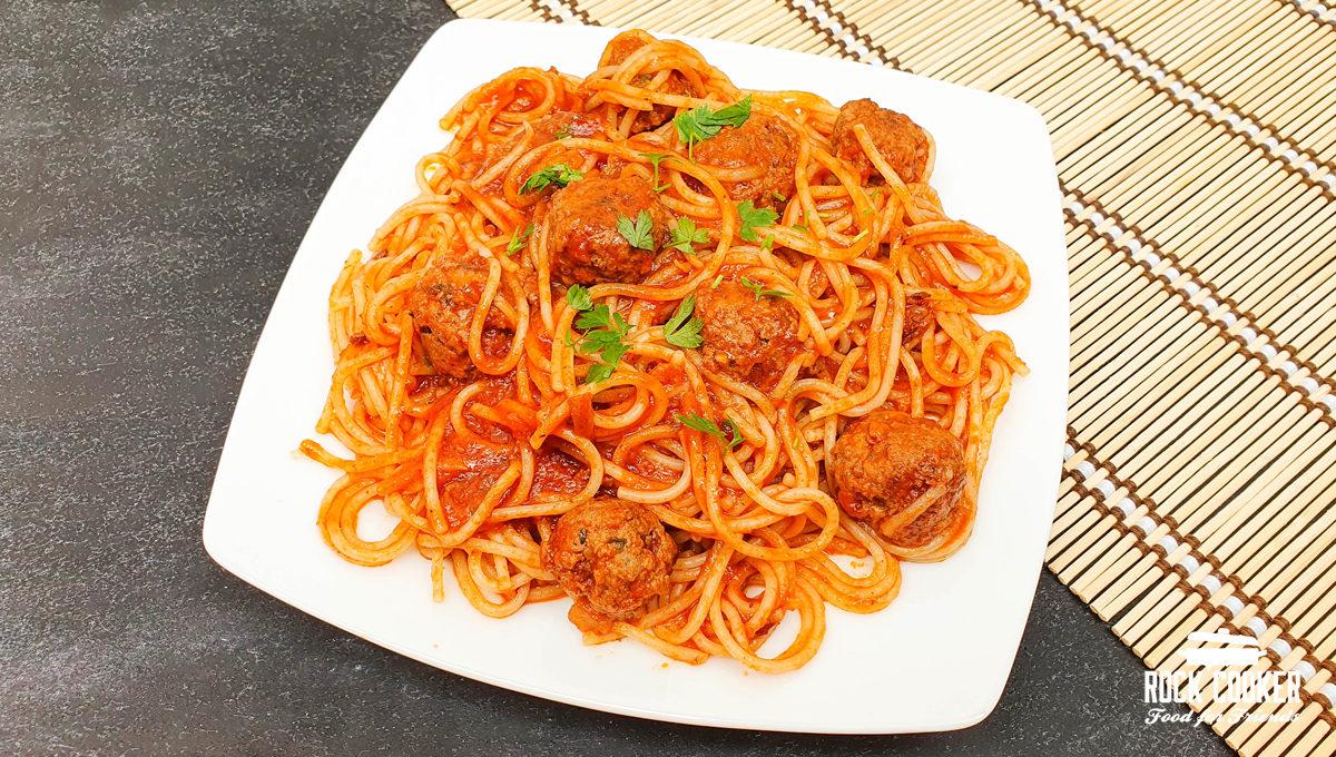 Espaguete com Mini Almôndegas